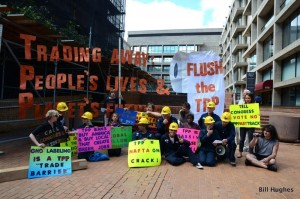 TPP-USTR-take-over-protesters-celebrate-success