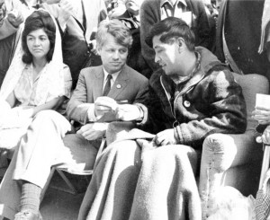 Cesar Chavez breaks his 25-day fast in 1968 by accepting bread from RFK, Delano, California. Credit: Richard Darby/Wayne State