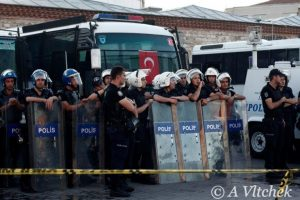 Taksim-Square-police-before-action-768x512