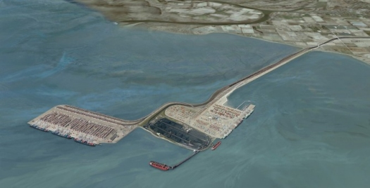 The existing man-made island near the mouth of the Fraser River already hosts a coal terminal and a container terminal. In this artist's rendering, the island on the left is the site of the proposed Terminal 2 project. It could double the container facility's capacity. The sandpipers' primary feeding ground lies between the proposed new terminal and the shore. Image courtesy of the Government of Canada, Asia-Pacific Gateway and Corridor Initiative
